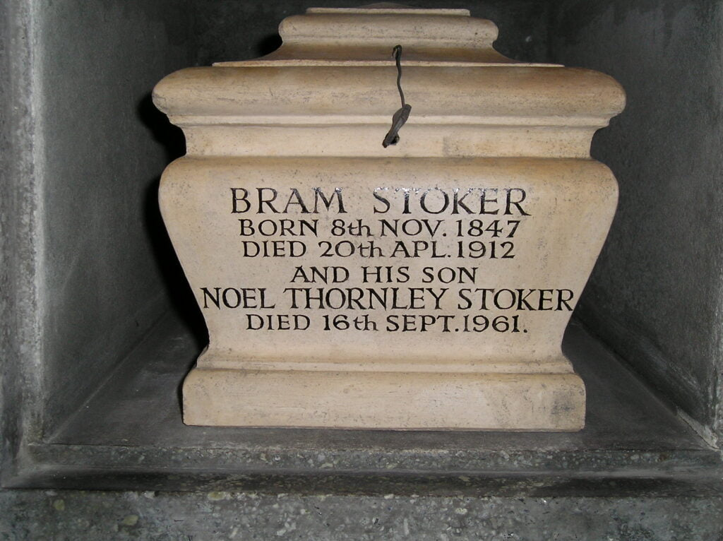 Bram Stokers Cremation Urn by Dadamax from Wikipedia